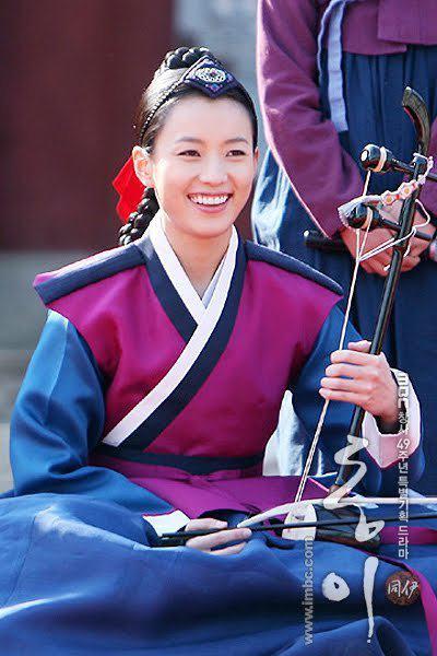 abheetha diyaniya dong yi abheetha diyaniya kim yoo jung as young dong